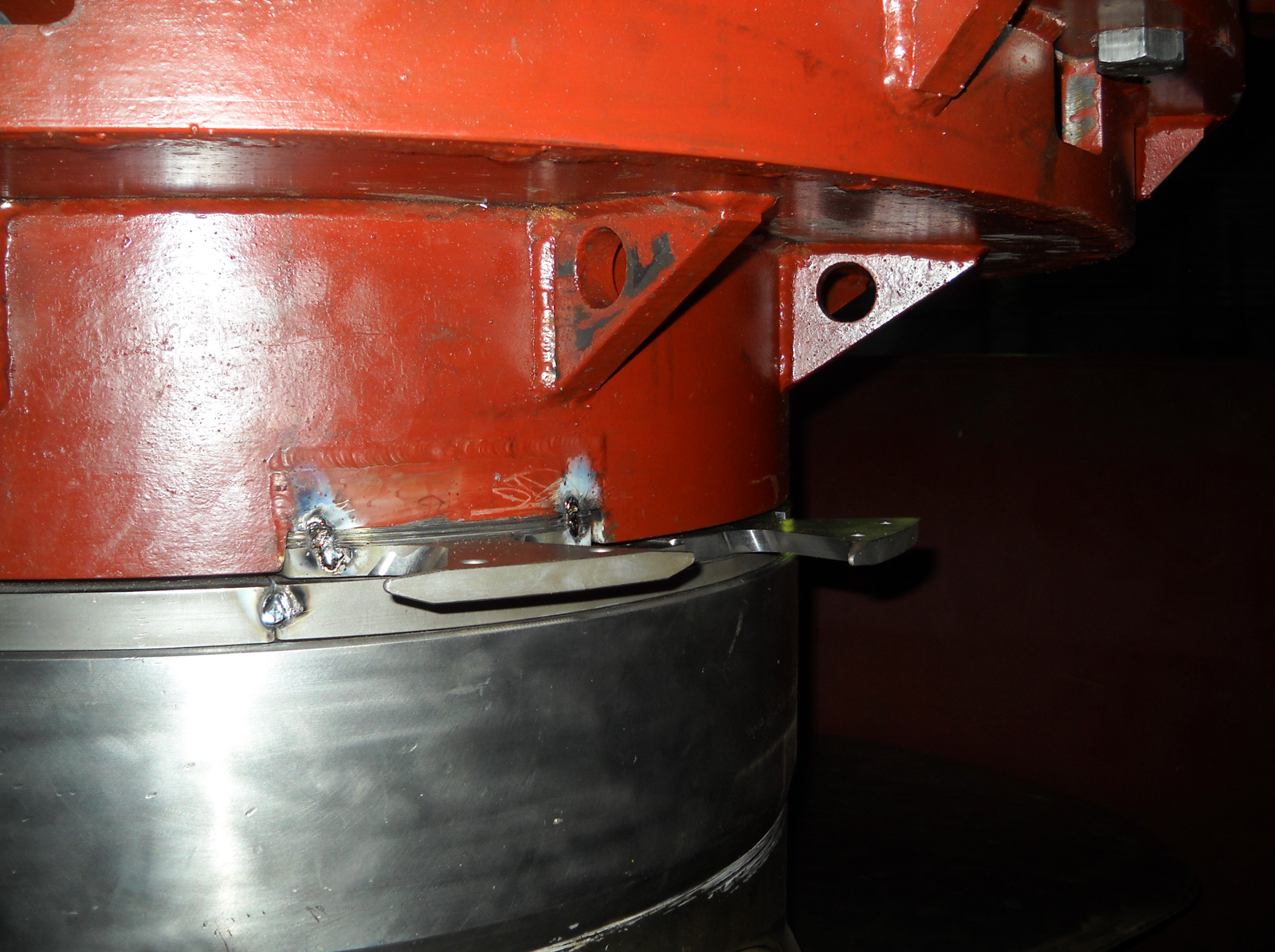 Cutters mounted on the propeller hub